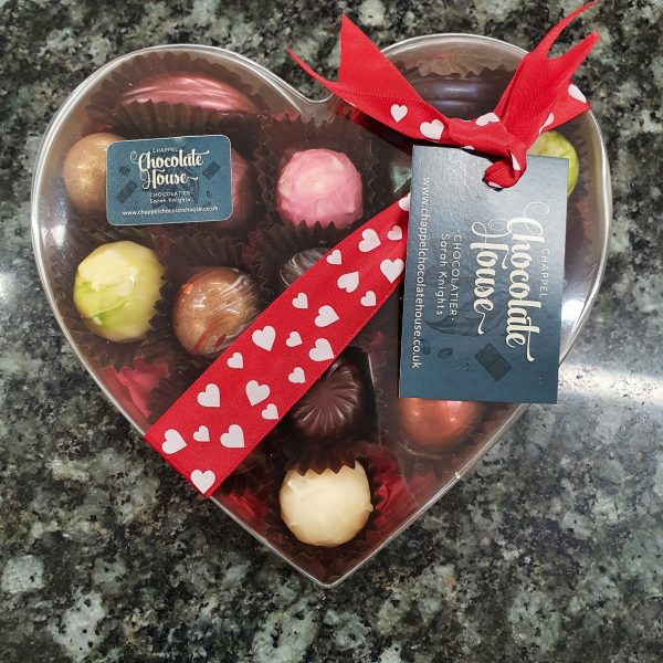 box of 16 heart box with lid